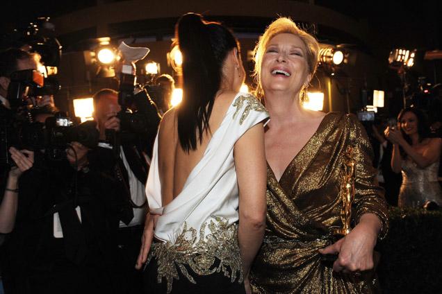 Bullock congratulating Streep